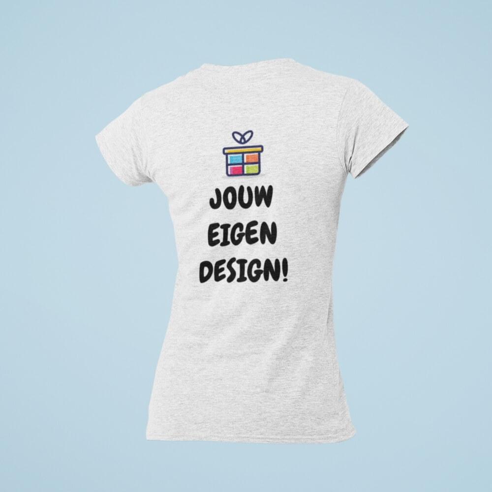 t shirt dames mockup 1